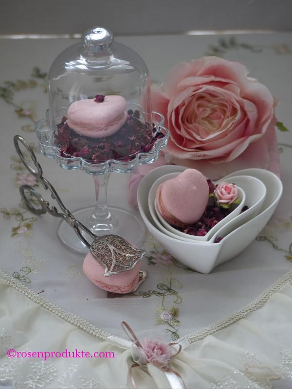 Herz Macarons in Herzschale