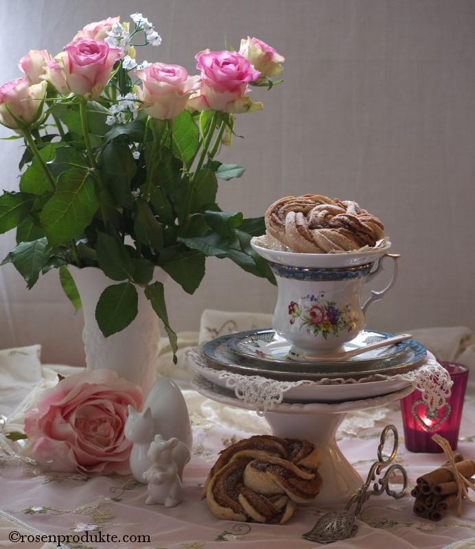 Hefeteigrose mit Rosenstrauss rosen essen