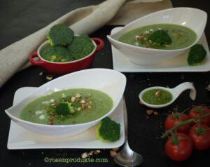 Brokkoli Creme Suppe  in länglicher Schüssel