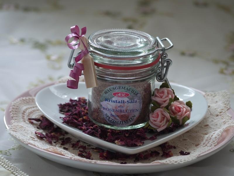 Rosenblüten Salz für Rosen-Senf-Butter