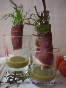 2 Gläser mit Salat Röllchen