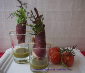 Salat im Glas mit Schinken