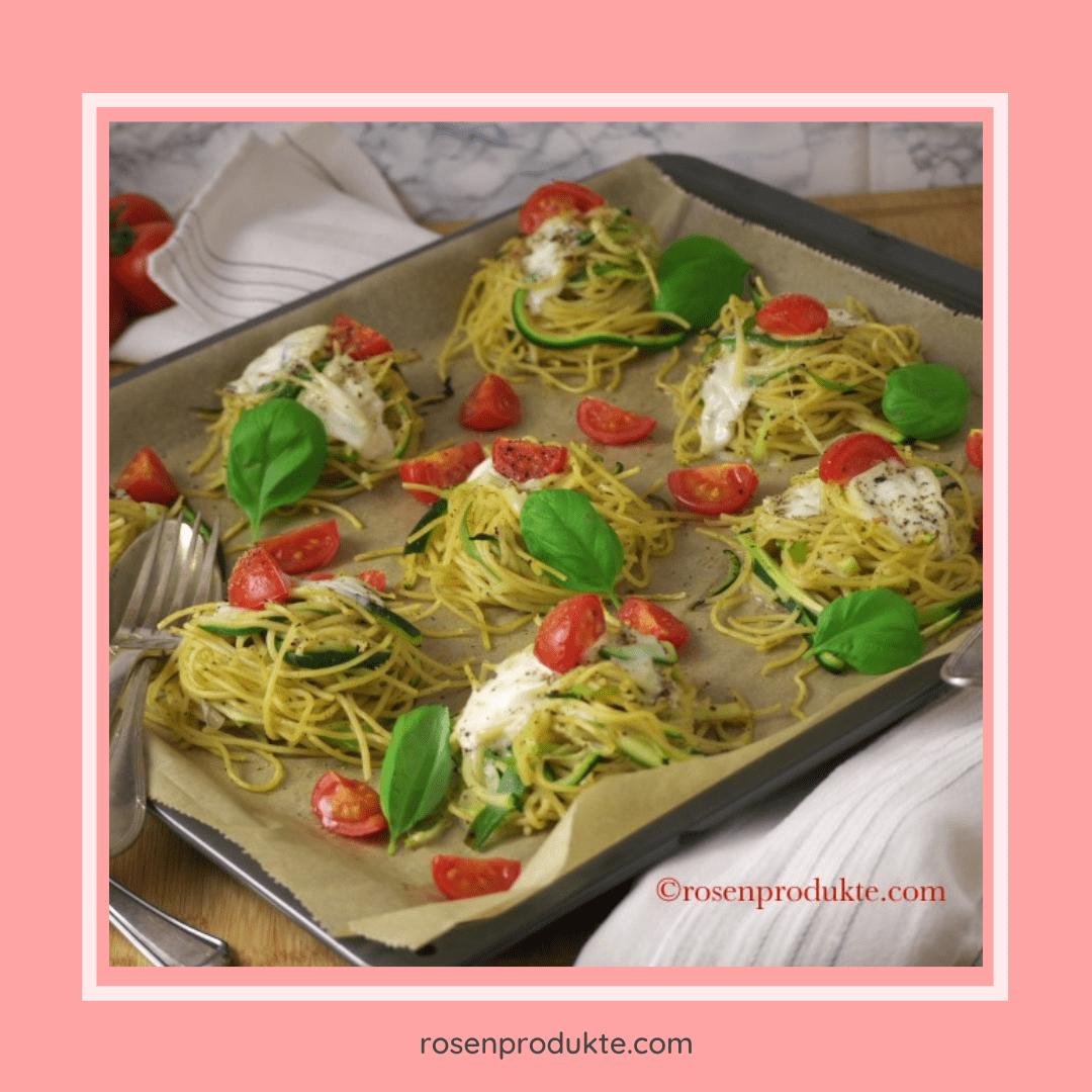 Read more about the article Gesund und einfach überbackene Nudelnester mit Zucchini